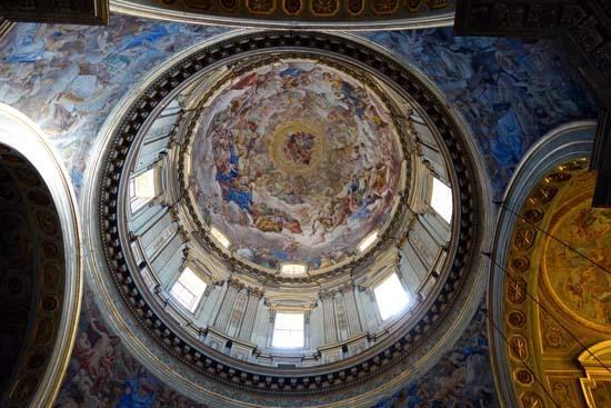 DAY2-11ナポリ大聖堂天井2.jpg