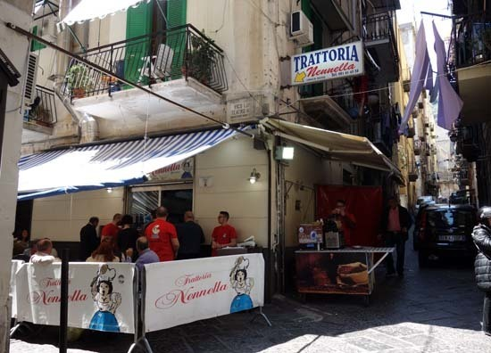Napoli Lunch nennela.jpg